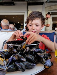 The 7yo LOVES mussels!